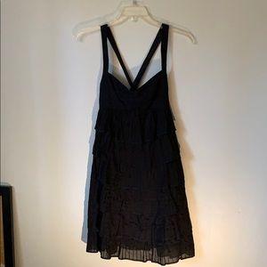 ⬇️ Black layered lace dress by Cynthia Steffe